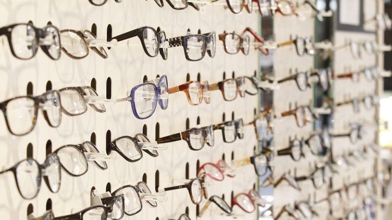 La vente de lunettes en ligne freinée par