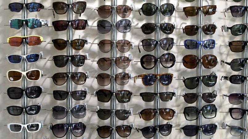 8746fcb9ff Les hommes dépensent un peu plus que les femmes pour leurs lunettes de  soleil
