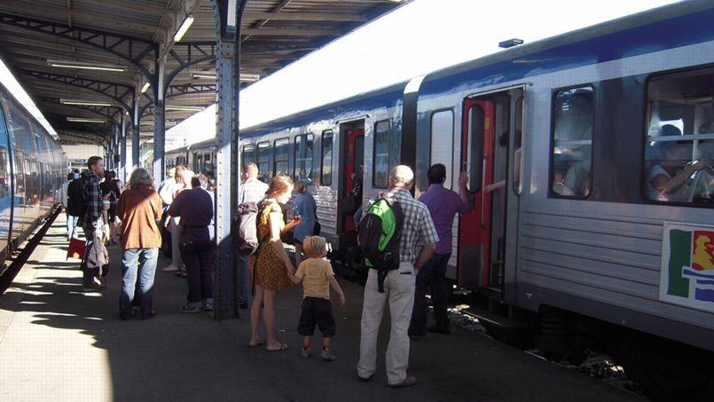 Les Rencontres d'Arles, l'expo HEXAGONE dans deux gares