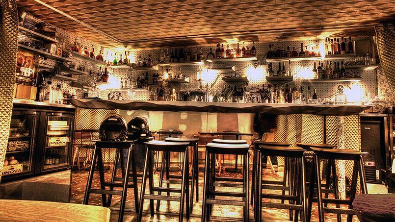Le Syndicat Derrière Les Manifestes Un Bar à Cocktails