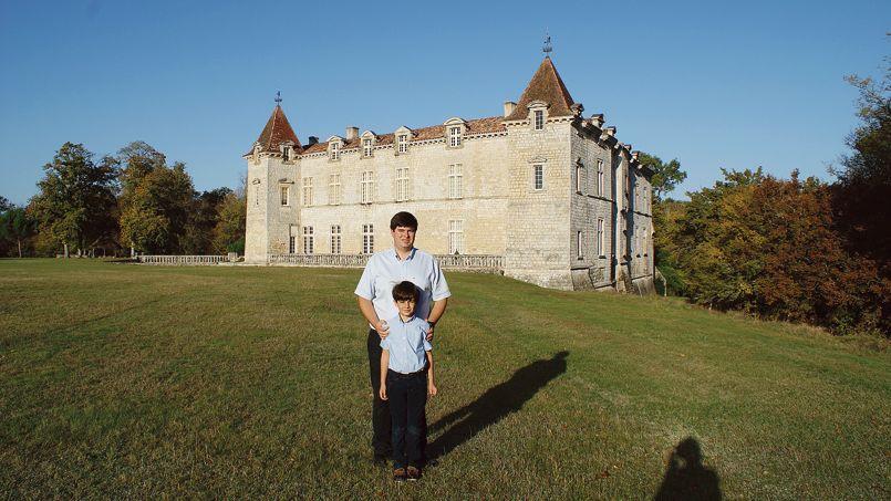 De La Banque Au Chateau Le Parcours De Louis 33 Ans