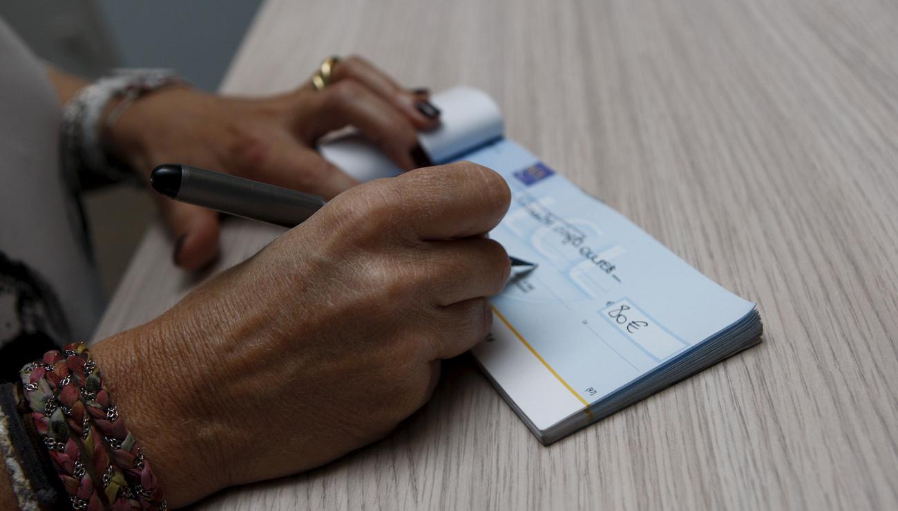 L Assemblee Reduit La Validite Des Cheques A 6 Mois