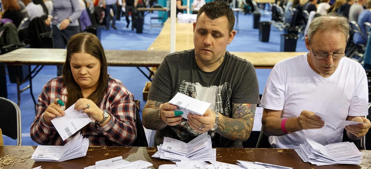 Sortie de l/'europe t-shirt-anti euro référendum royal bleu la grande-bretagne ne campagne