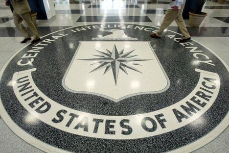 pour - Le FBI voudrait effectuer une surveillance  approfondie des réseaux sociaux 20070822.WWW000000354_20026_1