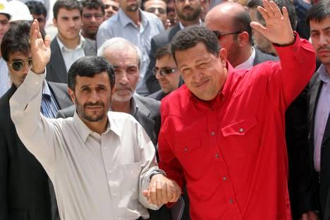 Le président iranien se rend à Caracas pour la troisième fois en deux ans (sur cette photo, leur rencontre en Iran, en juin).