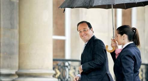 François Hollande est convaincu que le PS votera dans sa majorité le traité de Lisbonne (AFP Photo pool / Eric Feferberg).