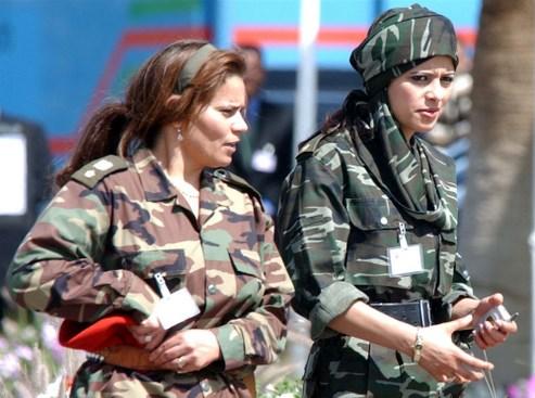 soldates du monde en photos - Page 3 20071208PHOWWW00069