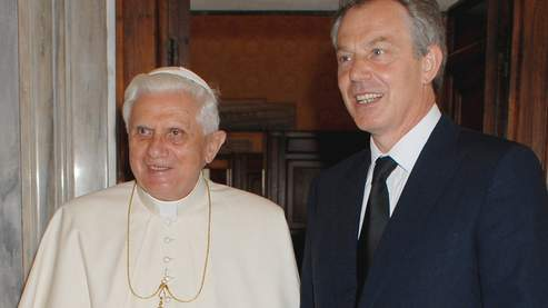 Tony Blair avec Benoît XVI, en juin dernier.