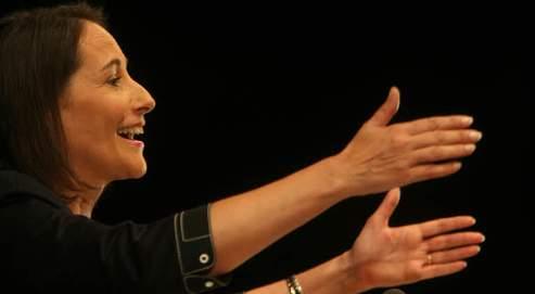 Ségolène Royal a affirmé hier son intention de «servir à fond le Parti socialiste en s'y impliquant totalement».