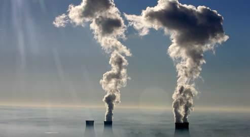 La centrale de Dampierre-en-Burly (Loiret). La France, dont 41 % de la production énergétique provient dunucléaire, aimerait faire reconnaître le rôle de celui-ci dans la baisse des émissions de CO2.