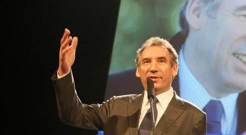 Pour François Bayrou, «un personnage qui ne corrrespond pas à l'idée qu'ils se faisaient de la fonction de président de la République s'est révélé aux Français».