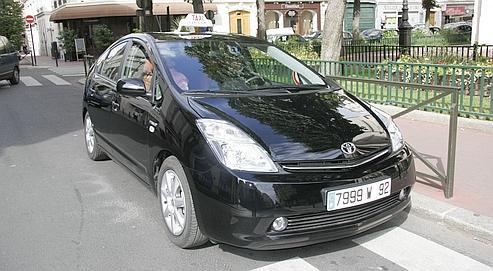 Des taxis g7 roulent l 39 lectricit for Garage des taxis g7