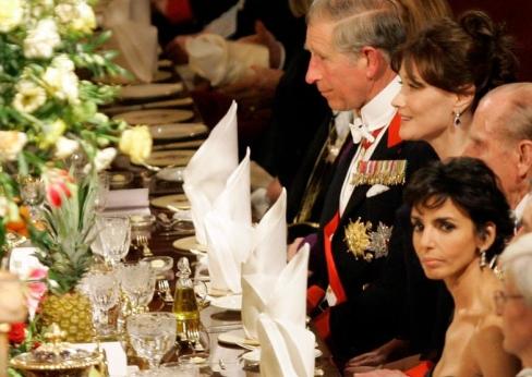 Rachida Dati est assise aux c�t�s du prince Philip. Plus loin Carla Bruni et le prince Charles.