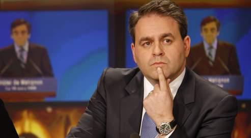 La nomination de Xavier Bertrand est le changement le plus important demandé par Nicolas Sarkozy, après l'échec des municipales
