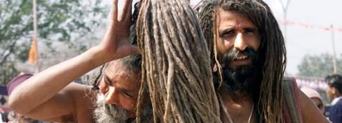 Les hommes peuvent-ils avoir <br/>les cheveux plus longs que les femmes?<br/>