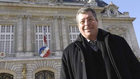Balkany propose le cumul des mandats obligatoire
