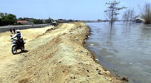Un forage serait à l'origine du volcan de boue indonésien
