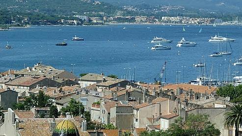 Dans le vieux Saint-Tropez, dès qu'une maison est mise en vente à un prix de marché (de l'ordre du million pour 80 m2), elle trouve aussitôt preneur. (Photo Martine Archambault/ Le Figaro)