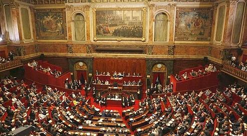Constitution: victoire de Nicolas Sarkozy dans politique eb5b8166-575e-11dd-bb13-5a94c238c8df