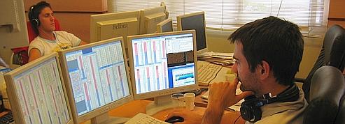 Les postes de travail sont équipés avec des logiciels professionnels de trading. (DR)