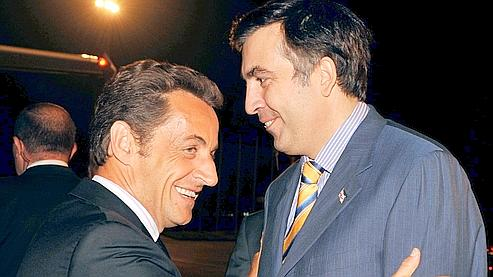 Le président géorgien Mikhaïl Saakachvili a approuvé le plan de paix proposé par Nicolas Sarkozy.