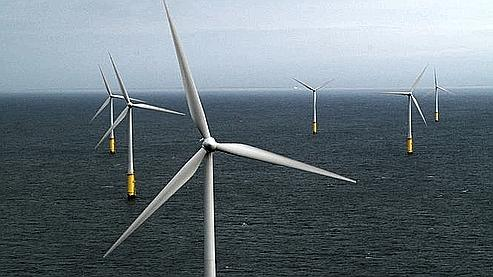 Les éoliennes offshore sont plus coûteuses à installer que les éoliennes terrestres, mais les rendements sont également supérieurs. (DR)