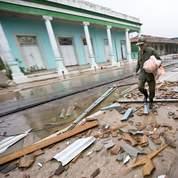 Les rues de Los Palacios dans la province de Pinal del Rio sont jonchées de débris.