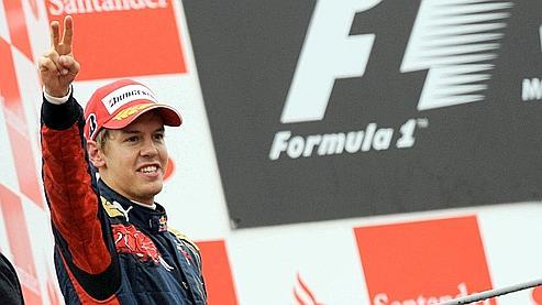 Sébastian Vettel est devenu le plus jeune vainqueur de l'histoire de la F1 à 21 ans et 74 jours.