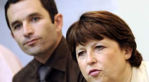 Le contexte de crise économique semble favorable à Benoît Hamon, ici en compagnie de Martine Aubry, lors de l'assemblée générale de présentation des motions, le 16 octobre dernier.