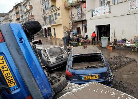 http://www.lefigaro.fr/medias/2008/11/03/20081103PHOWWW00070.jpg