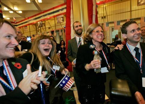 />Londres, Royaume-Uni</b> La joie dans l'ambassade américaine.» /></p> <p class=