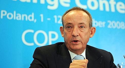 A Poznan, le secrétaire exécutif de la Convention-cadre des Nations Unies sur les changements climatiques, Yvo de Boer, lundi.