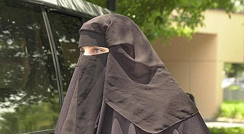 Ces groupes radicaux séduisent d'autant plus facilement les jeunes qu'ils sont en rupture avec la société française mais également avec l'islam traditionnel des parents. Ap/Cosgrove