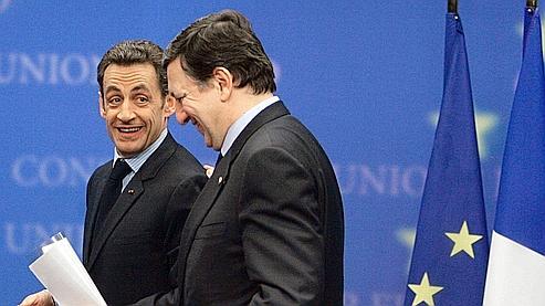 Nicolas Sarkozy et José Manuel Barroso, vendredi, à l'issue du Conseil européen de Bruxelles. (AP)