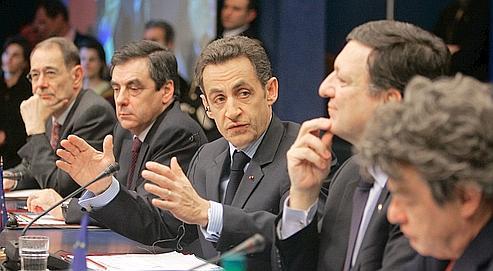 Emmenés par Nicolas Sarkozy, les dirigeants européens se sont entendus hier sur un plan antirécession de 200 milliards d'euros.