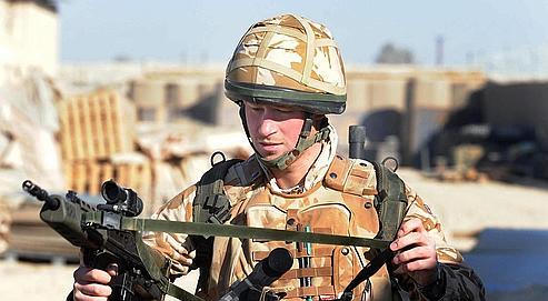 En décembre 2007, Harry était parti combattre en Afghanistan dans le plus grand secret. Il était rentré en Angleterre quelque dix semaines plus tard, quand l'information avait été révélée.