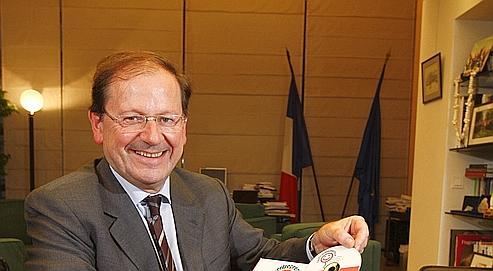 Hervé Novelli est à l'origine du dispositif dont 36% des préinscrits sont des salariés désireux de bénéficier de ce statut.