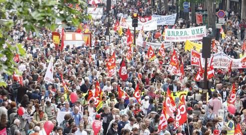 Manifestation en mai dernier à Paris. Les syndicats ont appelé, lundi, à une journée de mobilisation interprofessionnelle le 29 janvier, pour la défense de l'emploi et du pouvoir d'achat.