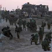 Des réservistes israéliens sur le point de franchir la frontière avec Gaza.