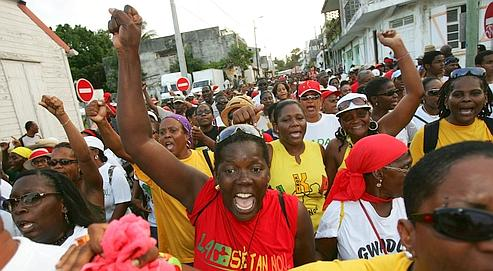 Guadeloupe - Ernest Pépin écrivain guadeloupéen - réflexions dans actualité ecff1d1e-fbf2-11dd-9836-23ee083efde1