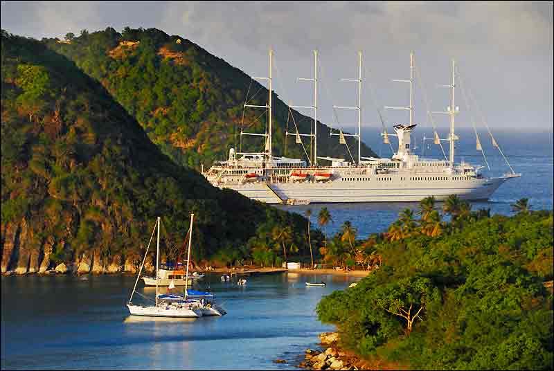 Le « Club Med 2 » en majesté, aux Saintes.