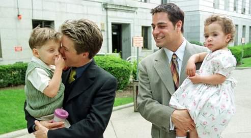 Vers une reconnaissance de la famille homoparentale