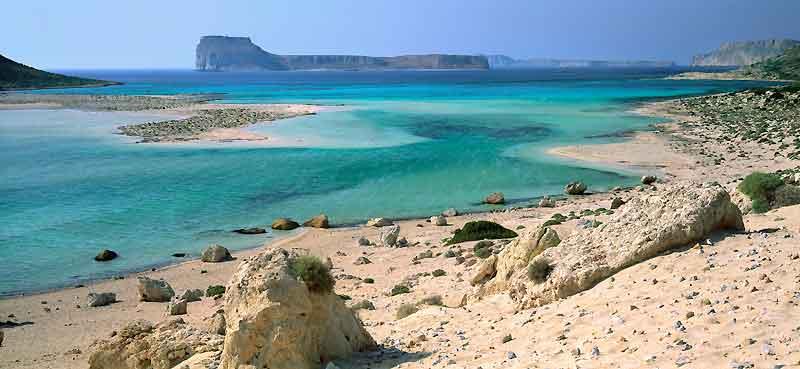 A l'extrémité ouest de l'île, Gramvoussa et le lagon de Balos, l'un des sites naturels les plus impressionnants de Crète, et pourtant presque confidentiel.