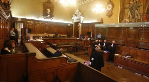 Cour d'assises au moment du procès en appel d'Yvan Colonna. Les errements de ce procès, ainsi que de celui de Ferrara, ont relancé le débat sur le bon fonctionnement des assises.