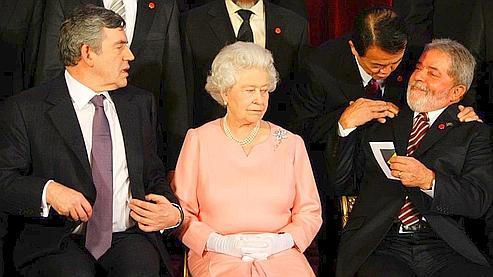 La reine Elizabeth II chambre Berlusconi