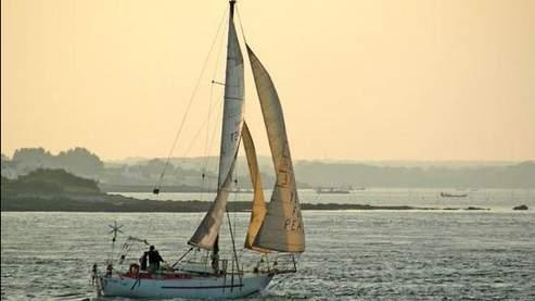 C'est à bord de ce voilier que quatre adultes et un enfant français naviguaient vers Zanzibar, lorsque leur bateau a été capturé par des pirates somaliens. (Capture écran : http://tanit.over-blog.fr)