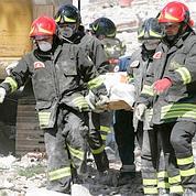 7.000 personnels de l'Etat participent aux secours, en plus des volontaires. Crédits photo: Borgia/AP