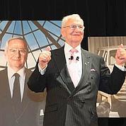 Hommage à Lee Iacocca en 2008. DR
