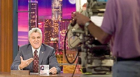 L'humoriste de la chaîne NBC, Jay Leno, a animé à Detroit, la capitale de l'industrie automobile ravagée par le chômage, un show intitulé Comedy Stimulus Plan entièrement gratuit pour les sans-emploi.