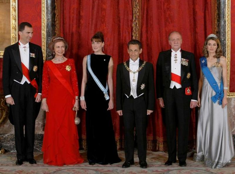 Photo officielle avant le dîner de gala au Palais royal.
